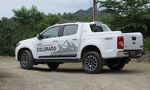 Chi tiết chevrolet colorado 2017