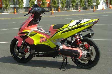 Honda air blade với nhiều bản độ màu sắc