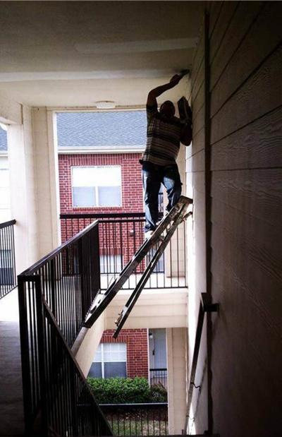 Khi đàn ông bất chấp tất cả để sửa nhà