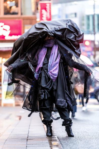 Hoảng hồn với những street style dị đến tận cùng